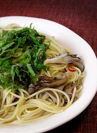 舞茸と大葉のスパゲッティー