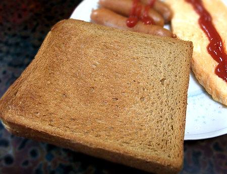 ミルクキャメル食パンをトースト