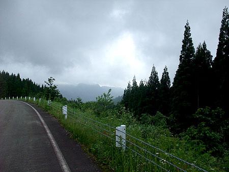 曇り空の栄村